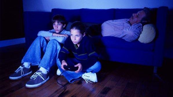 Vício em games pode causar depressão, fobia e ansiedade em crianças e adolescentes